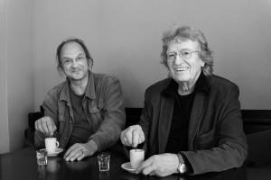 Christof Thewes (l) und Alfred Gulden, Pause während der Vorbereitungen zu Tote Strecken. Foto: Christian Schu